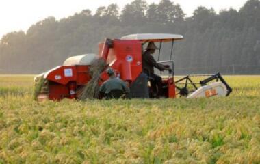 保定鑫飞达农机携手中企动力促进中国农业机械化率提升